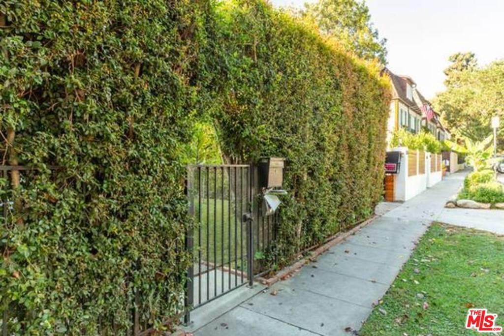 807 N Sweetzer Avenue #  West Hollywood CA 90069