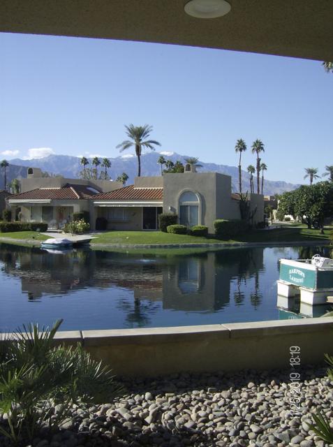 212 Desert Lakes Drive, Rancho Mirage CA: http://media.crmls.org/mediaz/51CE5C44-A296-4F4D-8E18-631A3A679FDB.jpg