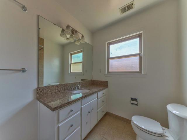 36 Wilgart Way, Salinas CA: http://media.crmls.org/mediaz/51FD1262-CB0C-423D-B839-5B21FC695370.jpg