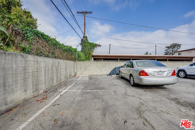 4361 Berryman Avenue, Los Angeles CA: http://media.crmls.org/mediaz/520E6B6C-F305-4695-B803-F87770FF66B0.jpg