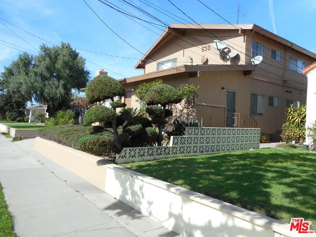 Single Family for Sale at 639 Manchester Terrace E Inglewood, California 90301 United States