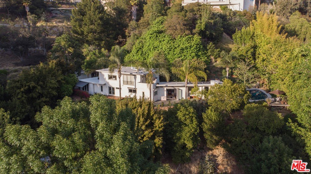 7555 Jalmia Way #  Los Angeles CA 90046