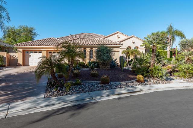 59 Calle De Oro, Rancho Mirage CA: http://media.crmls.org/mediaz/529104FD-B856-4EFA-A375-22BE7FDC95B5.jpg