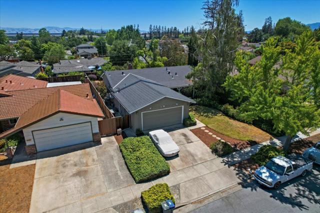 1758 Heron Avenue, Sunnyvale CA: http://media.crmls.org/mediaz/52DED5DC-F2F6-4F6C-AB88-6DC7B1E517D1.jpg