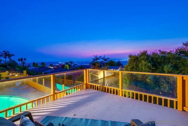 6240 Brynwood Ct, San Diego CA: http://media.crmls.org/mediaz/52c95d83-ab5b-4f4c-8503-22fca460f069.jpg