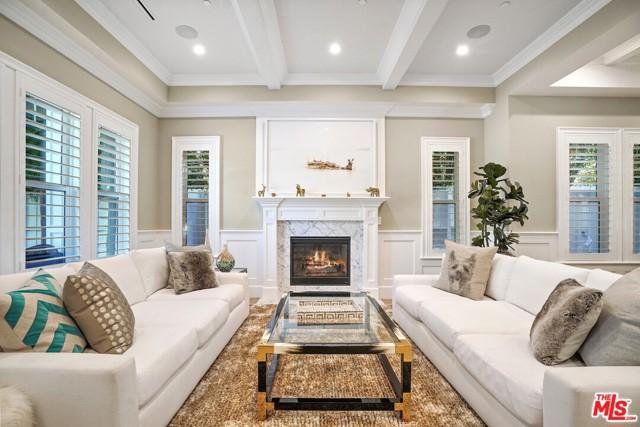 4053 Laurelgrove Avenue, Studio City CA: http://media.crmls.org/mediaz/532406D6-86D2-43B5-8F2F-A3229343C6A5.jpg