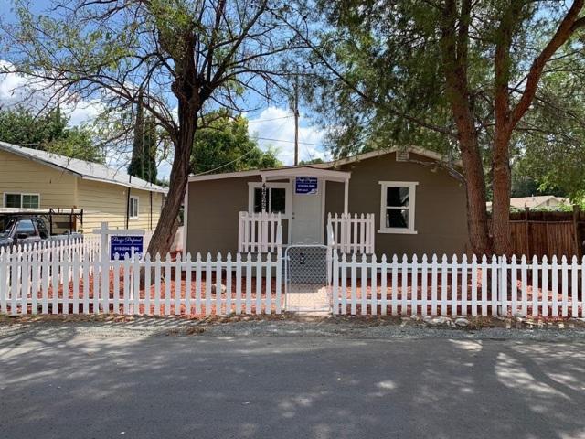 44625 Brawley Ave, Jacumba CA: http://media.crmls.org/mediaz/53A2A345-9AB7-4F00-8C27-87EFDFE6A19A.jpg
