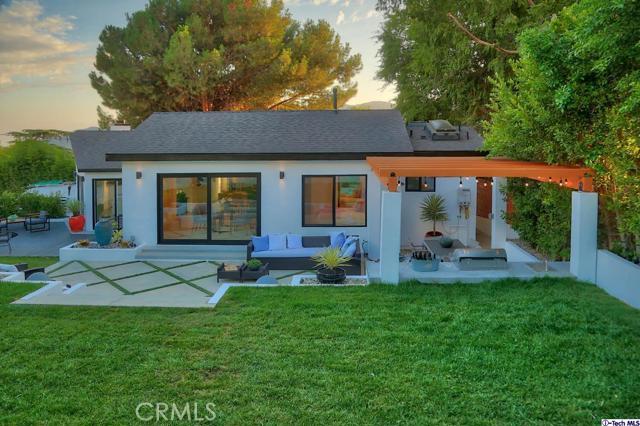5043 Ramsdell Avenue, La Crescenta CA: http://media.crmls.org/mediaz/53CF2532-7AC7-4FF6-A7D2-C97E9B7F8F1E.jpg