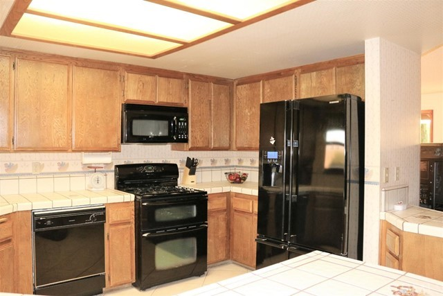 7751 Langdon Avenue Hesperia CA 92345
