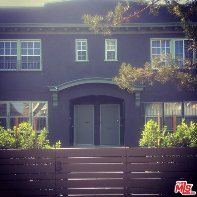 2801 1/2 S NORMANDIE Avenue, Los Angeles CA: http://media.crmls.org/mediaz/5407B07B-900B-4F70-9F2D-4AACCEC52988.jpg