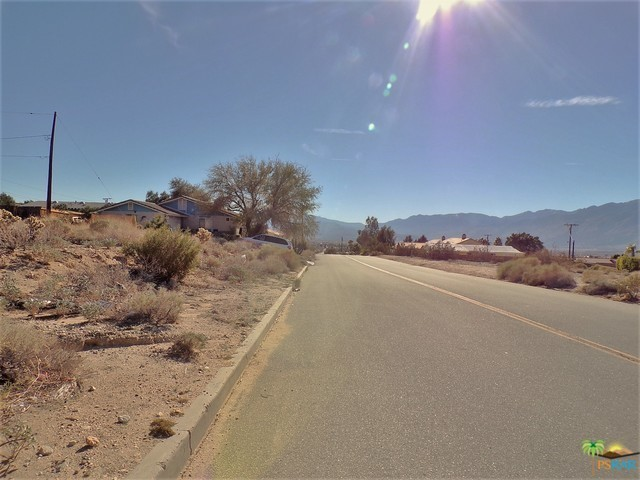 0 Lot 1 Mountain View Road, Desert Hot Springs CA: http://media.crmls.org/mediaz/542DC5FC-2F7A-4D17-9DC0-00DE319DDC70.jpg