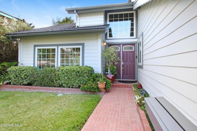 2752 Gum Circle, Simi Valley CA: http://media.crmls.org/mediaz/5450F537-0008-48CC-A54E-3EE4D6EF15E0.jpg