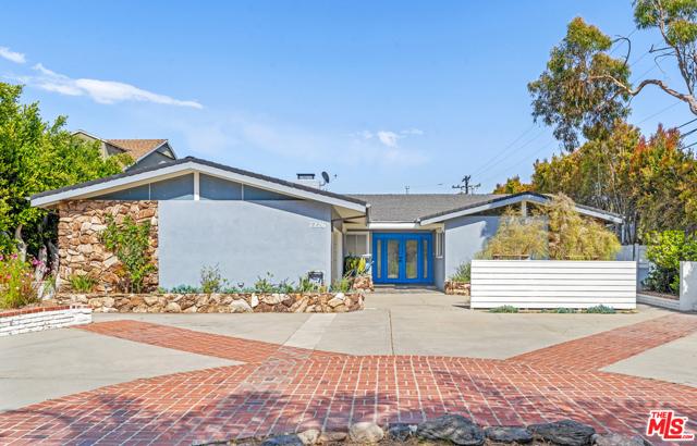 7226 Arizona Ave, Los Angeles, CA 90045 photo 2