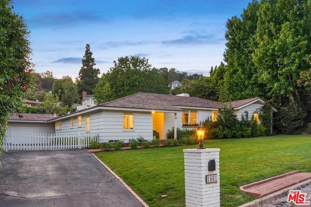 Photo of 1661 SAN REMO Drive, Pacific Palisades, CA 90272