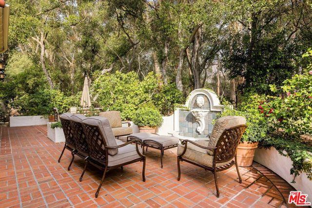 492 Monarch Lane, Santa Barbara CA: http://media.crmls.org/mediaz/5464A274-EAE8-4C41-B857-3DFE9E272151.jpg