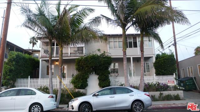 252 Hampton Dr B, Venice, CA 90291