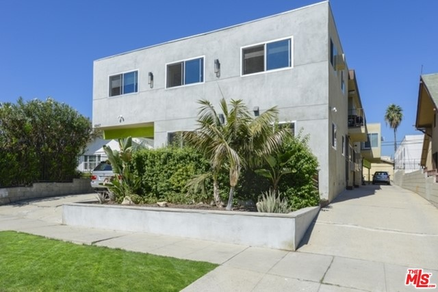 4847 Rosewood Avenue, Los Angeles, California 90004
