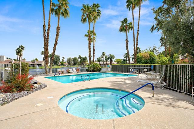 369 Wimbledon Drive, Rancho Mirage CA: http://media.crmls.org/mediaz/5502BE48-4F24-4922-AC6A-43477752CA63.jpg
