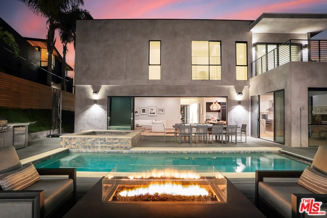 3235 MAPLEWOOD Los Angeles CA 90066