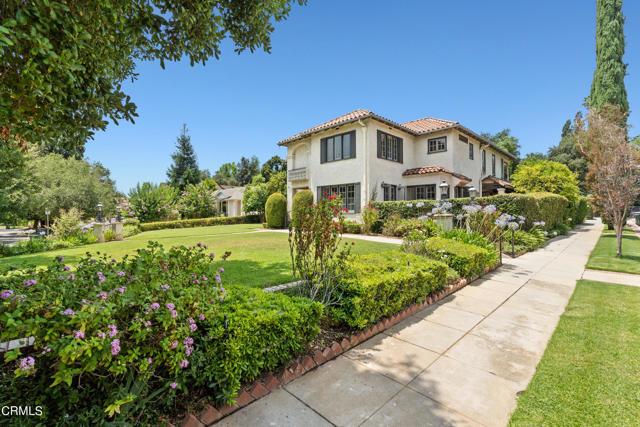 695 Lakewood Place, Pasadena CA: http://media.crmls.org/mediaz/551EB34C-3B87-4D48-A839-96C7CB26A28D.jpg