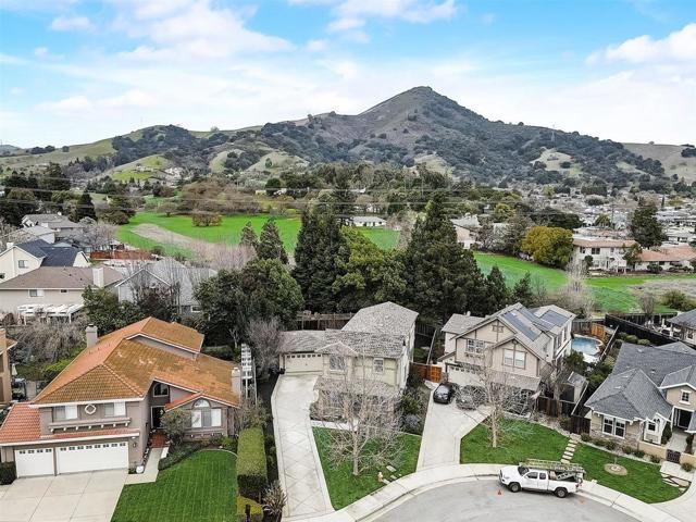 16745 Lone Hill Drive, Morgan Hill CA: http://media.crmls.org/mediaz/55238F0A-D885-4254-A795-34A3001AB2E9.jpg