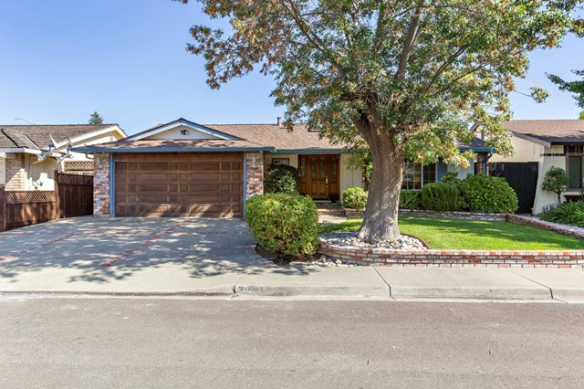 35680 Dee Place, Fremont CA: http://media.crmls.org/mediaz/5593B853-01D7-4136-8004-242FC83CC5C5.jpg