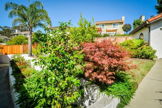 21798 Independent School Road, Castro Valley CA: http://media.crmls.org/mediaz/55CD0BE0-849D-4497-AF6F-58D418407A3C.jpg
