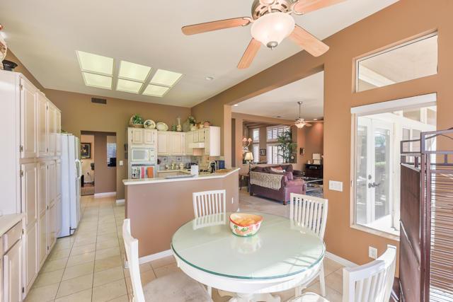 37647 Westridge Avenue, Palm Desert CA: http://media.crmls.org/mediaz/5615087F-6065-4BA5-B08A-F582D3BD662F.jpg