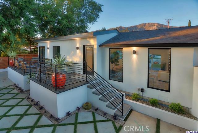 5043 Ramsdell Avenue, La Crescenta CA: http://media.crmls.org/mediaz/568E19A8-9700-48BB-A5FF-FBBDEE996B09.jpg