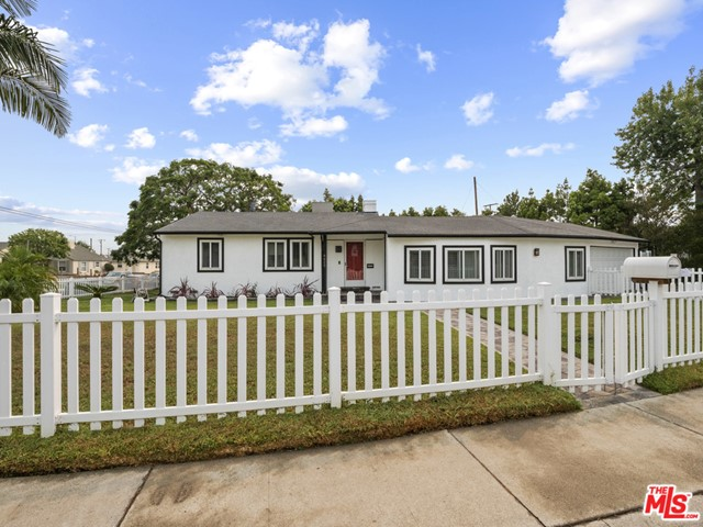 8620 Yorktown Los Angeles CA 90045