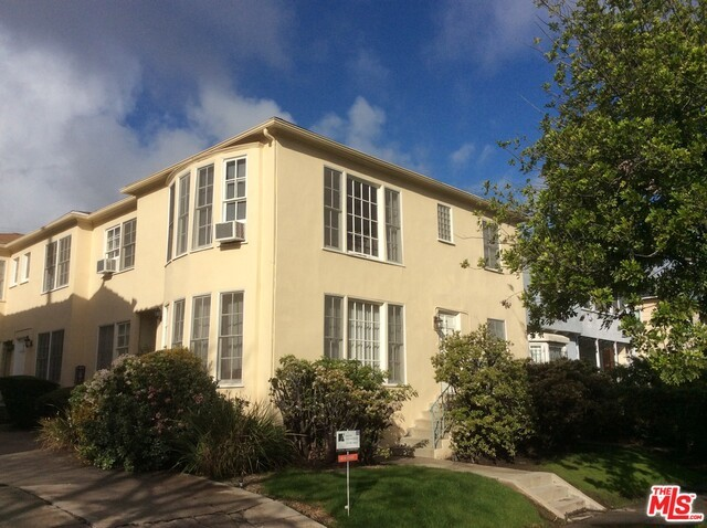 Condominium for Rent at 1457 BEVERLY Drive S Los Angeles, California 90035 United States