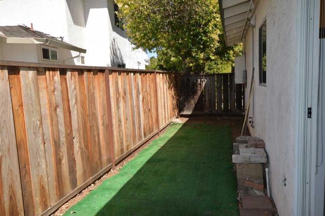 536 Hawthorn Avenue, Sunnyvale CA: http://media.crmls.org/mediaz/569D5145-B03F-4A2A-AF43-228E63789072.jpg