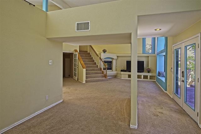8585 Great House, Yucca Valley CA: http://media.crmls.org/mediaz/56B2AD24-D1AB-456C-9F51-F6562A8DACEB.jpg