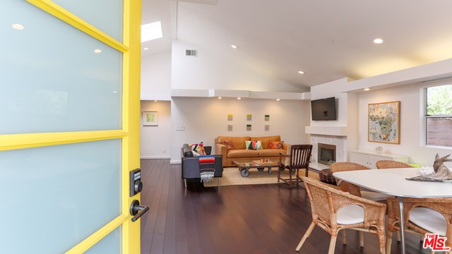 2413 Mckinley Ave, Venice, CA 90291 thumbnail 3