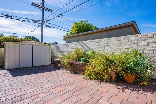 5001 Strohm Avenue, North Hollywood CA: http://media.crmls.org/mediaz/56C6DEC4-E83A-4D4E-B7E8-1832C1AD7B21.jpg