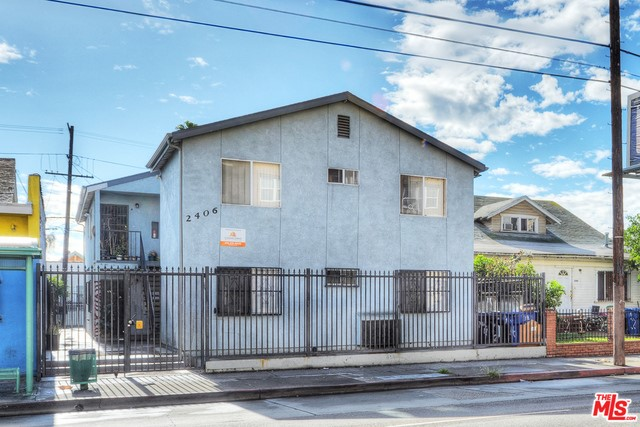 Single Family for Sale at 2406 Jefferson W Los Angeles, California 90018 United States