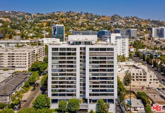 1100 Alta Loma Road, West Hollywood CA: http://media.crmls.org/mediaz/570866E0-F2ED-41AD-9C93-AAFAFBCA9FAE.jpg