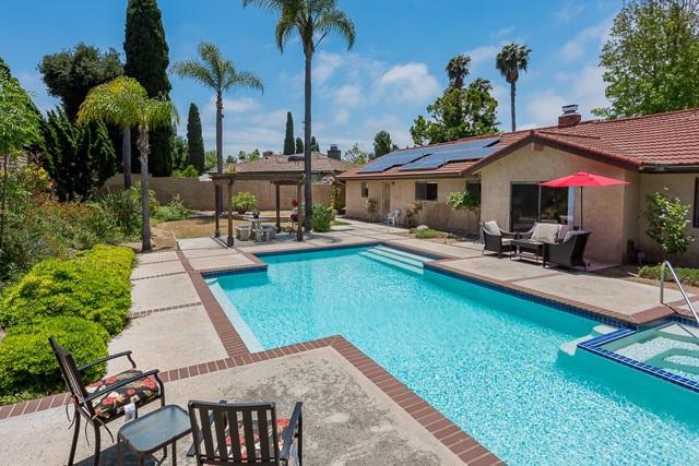 465 N El Rancho Vista, Chula Vista CA: http://media.crmls.org/mediaz/57471E51-399E-450F-BF6A-D1A767019424.jpg