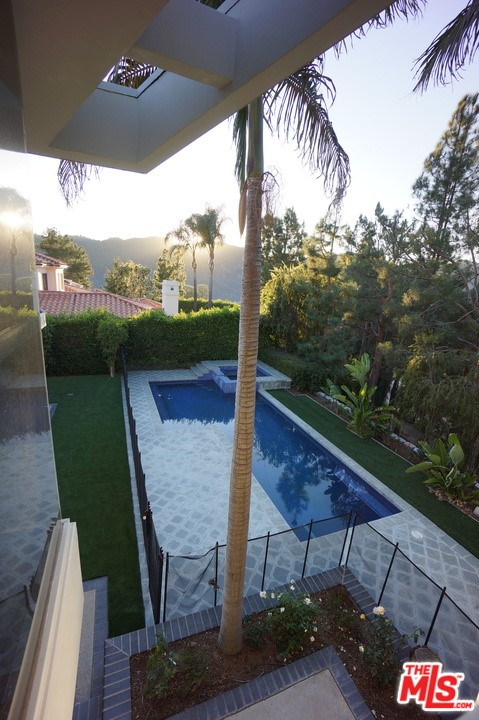 1425 MONTE GRANDE Place, Pacific Palisades CA: http://media.crmls.org/mediaz/5771F6BC-ED65-4583-8DEB-B894D9B2BF8E.jpg