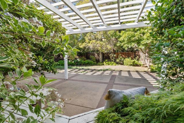 4221 Wilkie Way, Palo Alto CA: http://media.crmls.org/mediaz/577EA5A0-1515-4B33-99D5-2E202DB2DC12.jpg