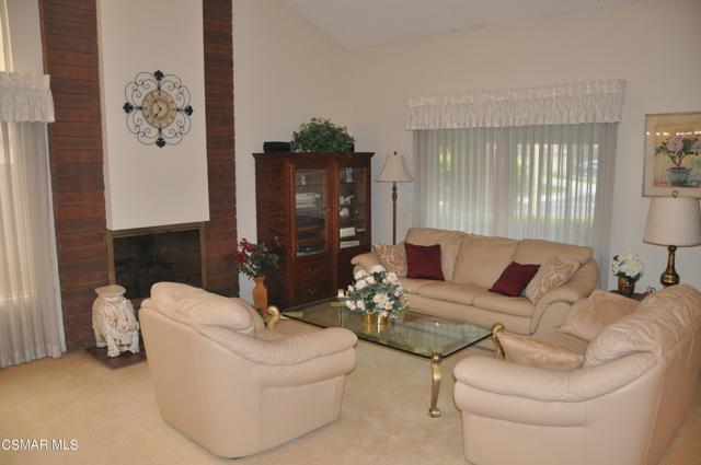 2024 Rosebay Street, Westlake Village CA: http://media.crmls.org/mediaz/57B0DDDD-4892-4279-B44F-D33B93D6188C.jpg