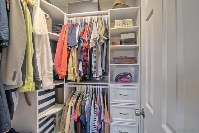 660 Sabrina Terrace, Ramona CA: http://media.crmls.org/mediaz/57E09625-9081-46AD-8E0A-F34CC2FB61C8.jpg