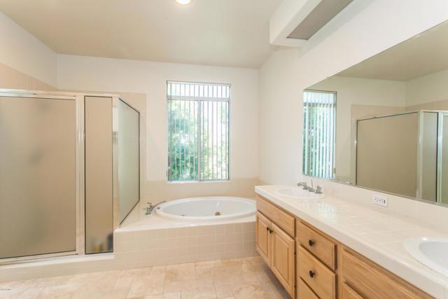 11694 Sagewood Drive, Moorpark CA: http://media.crmls.org/mediaz/58A453CC-A833-4A10-8A77-BDA99E7D5B74.jpg