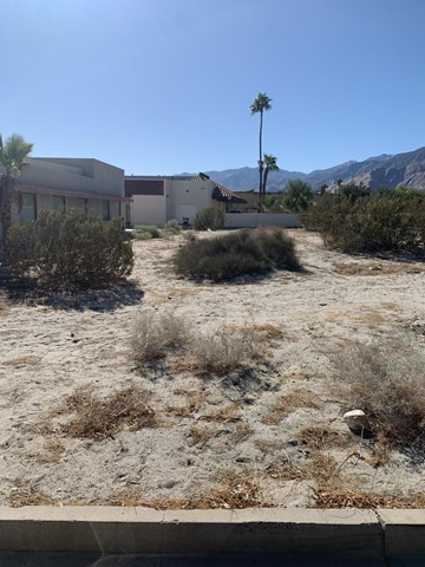 0 Desert Park, Palm Springs CA: http://media.crmls.org/mediaz/59501895-A2A0-4B48-B217-B7579A4A1033.jpg