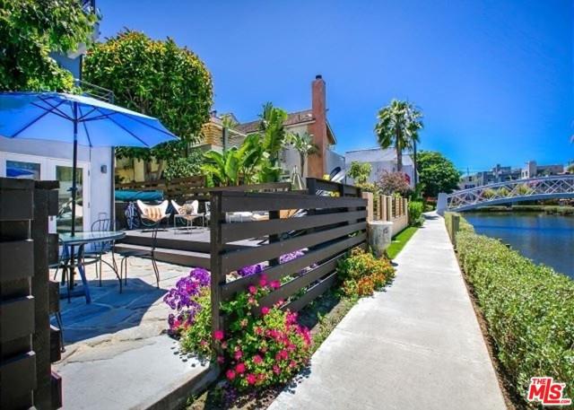 218 CARROLL CANAL Venice CA 90291