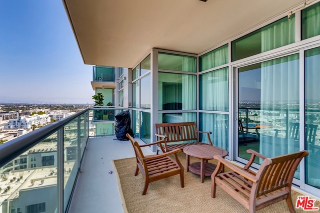 13700 Marina Pointe Dr 1520, Marina del Rey, CA 90292 photo 1