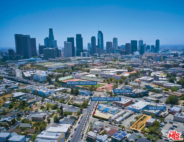 1622 Rockwood Street, Los Angeles CA: http://media.crmls.org/mediaz/5A078D14-A8F8-4FA7-A391-01AC68934CA7.jpg