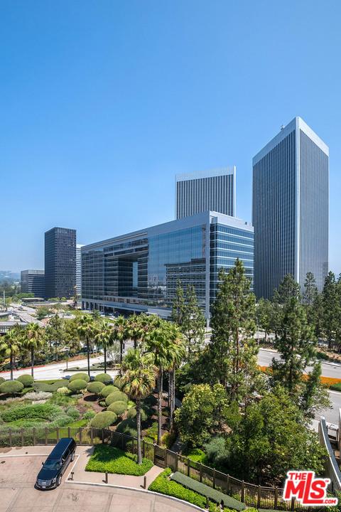 1 W Century Drive, Los Angeles CA: http://media.crmls.org/mediaz/5A2CFB24-B782-49D2-A39B-EF26E2D9C64C.jpg