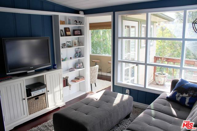 Single Family Home for Rent at 20902 Shady Lane Topanga, California 90290 United States