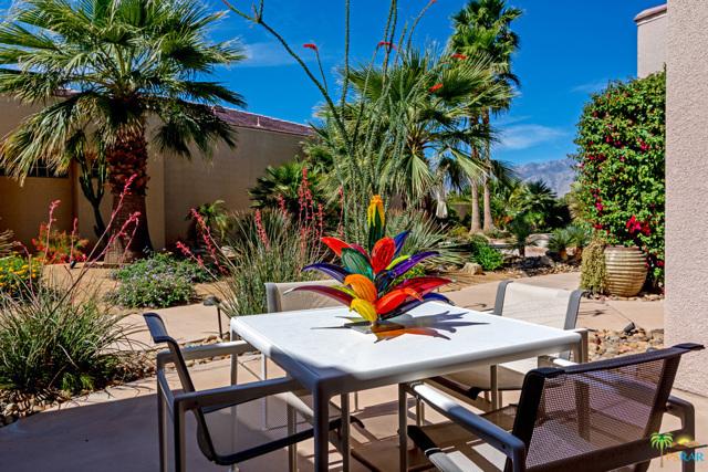 15 Birkdale Circle, Rancho Mirage CA: http://media.crmls.org/mediaz/5B049734-2377-4F6B-926D-EE15981DFBB4.jpg